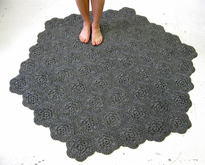 Moonbasket design rug grey