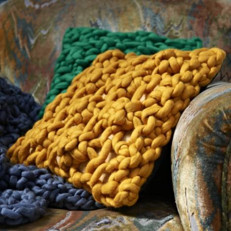 Melanie Porter chunky cushions 02