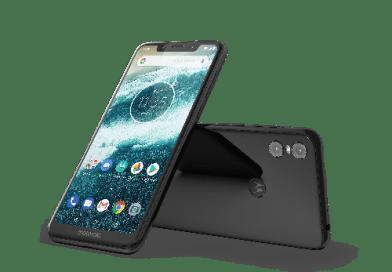 Motorola One ha fretta e brucia i tempi