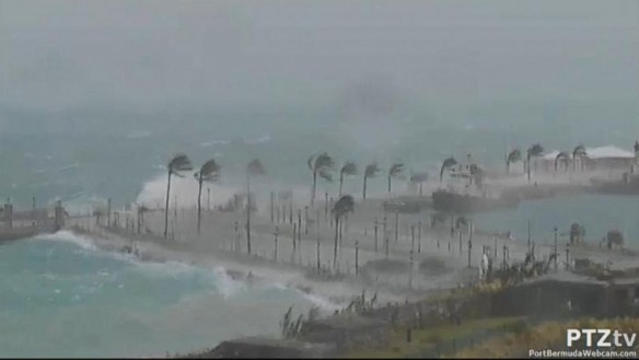 Hurricane Gonzalo makes landfall in Bermuda.  Credit: