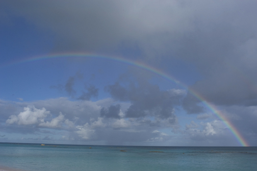Rainbow appears to end in the Atlantic Ocean off Bermuda's coastline.  Image Credit: The Weather Gamut