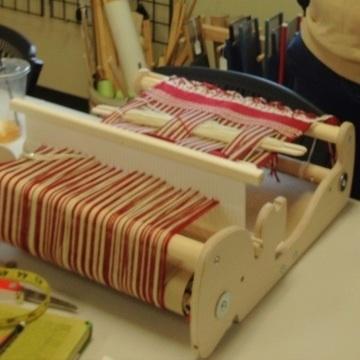 Rigid Heddle, Too: Let's make a scarf!