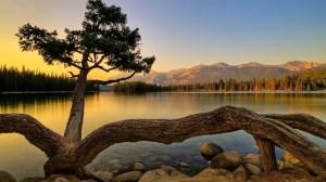 Sunrise Over The Lake HD Desktop Background