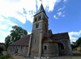 Intérieur de l'église de Parigny les Vaux