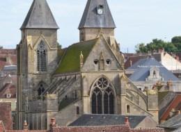Église saint Pierre de Varzy