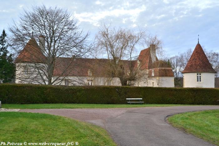 Château de Brinon-sur-beuvron