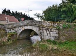 Ancien Pont de Courcelles