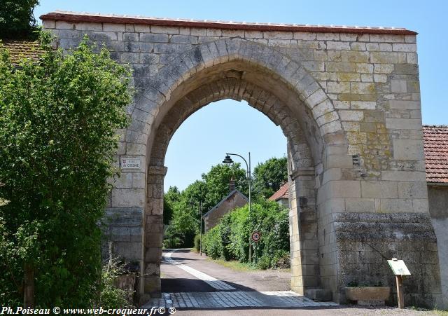 La Porte de Cosne de Saint-Vérain