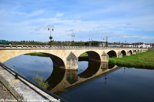 Pont de l'ancienne Loire à Decize