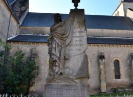 Monument aux Morts de Lurcy le Bourg