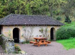 Lavoir du centre d'Olcy Nièvre Passion