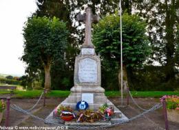 Monument aux Morts Montsauche les Settons