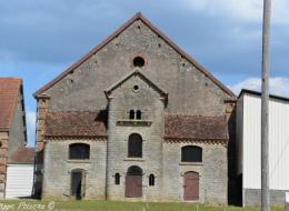 Ancienne Ferme de Champlin Nièvre Passion