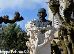 Monument Jules Renard de Chitry les Mines