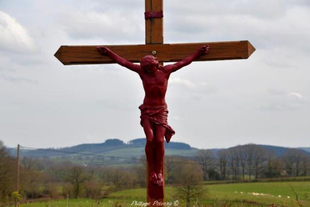 Crucifix carrefour de Tazilly