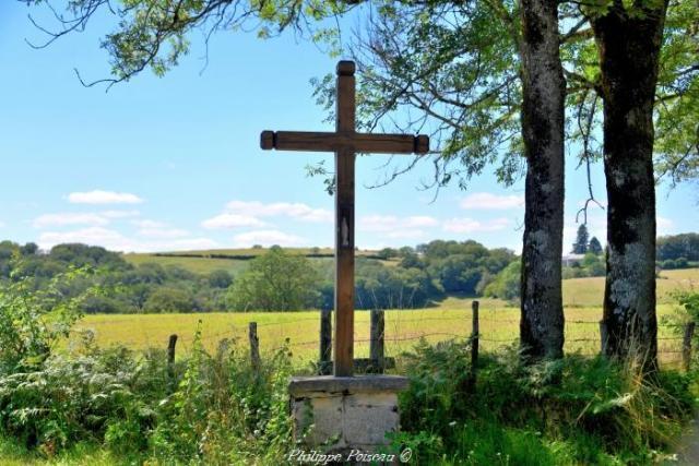Croix du carrefour de Poussignol