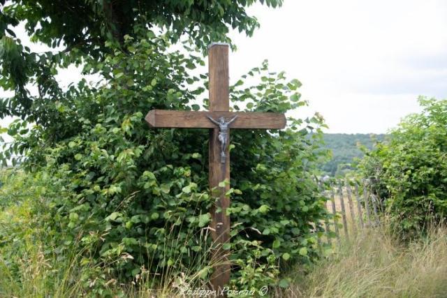 Crucifix de Boux Dessous