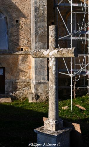Croix de l' église de Cuncy Lès Varzy
