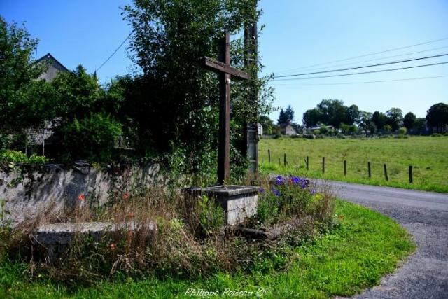Croix du carrefour de Millay