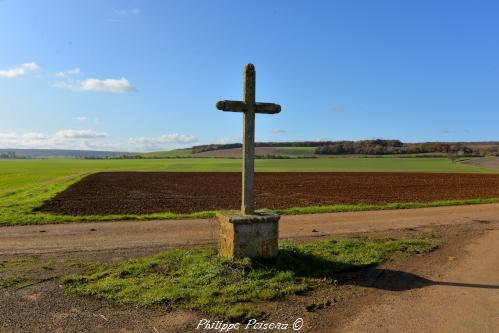 Croix du carrefour de Soffin Nièvre Passion