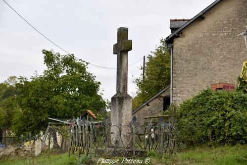 Croix du hameau de Pont Nièvre Passion