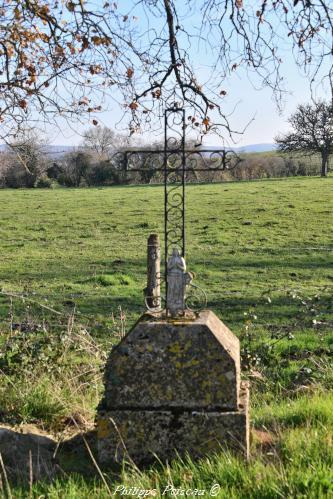 Croix du lieu dit