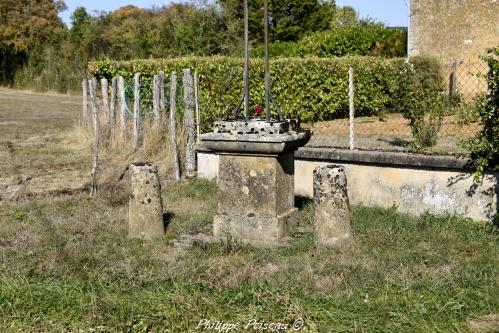 Croix du carrefour de Paroy Nièvre Passion