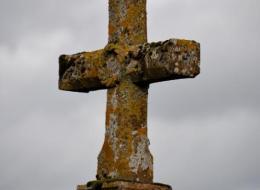 Croix et pierre des morts de Pazy
