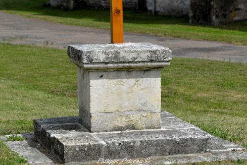 Crucifix de Balleray Nièvre Passion