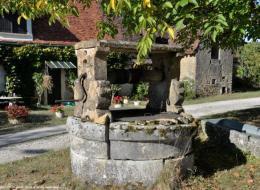 Puits des Familles de Viry et de Troussebois à Malicorne