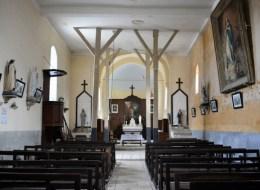 Intérieur de l'église de Tronsanges Nièvre Passion