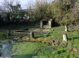 Lavoir du hameau de Laché
