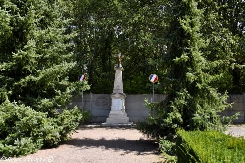 Monument aux morts de Villechaud Nièvre Passion