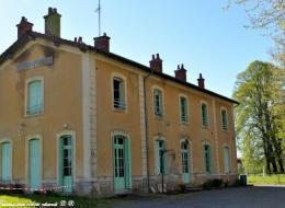 Ancienne gare de Tamnay en Bazois