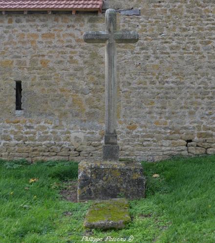 Pierre des morts de Diennes Aubigny