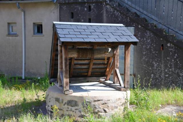 Puits du bourg de Millay