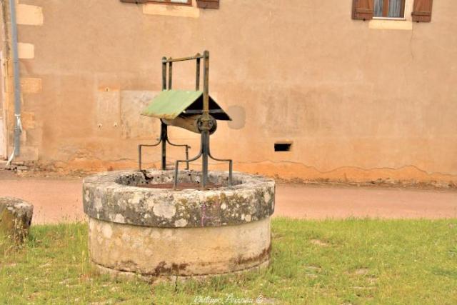 Puits du cimetière de Corvol d'Embernard