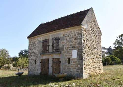 Toit à porcs de Breugnon Nièvre Passion