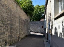 Vestiges des murailles de la ville de Clamecy