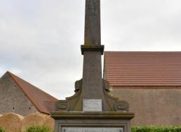Monument aux Morts de Saint Ouen sur Loire et de Béard
