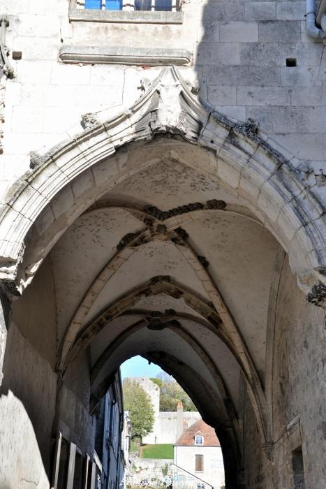 Porterie du prieuré de La Charité