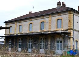 Ancienne gare ferroviaire de Prémery