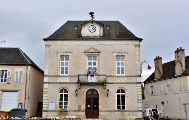 Mairie de Dornes