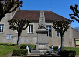Monument aux morts de Menou