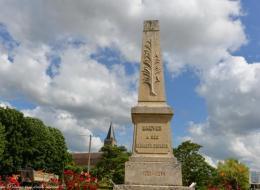Monument aux Morts de Brèves