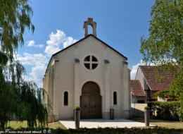 Le temple de Saint Andelain