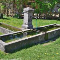 Fontaine et abreuvoir Saint-Martin-du-Puy