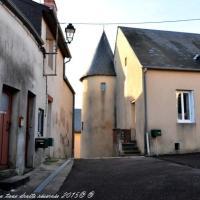La vieille tour de Château Chinon