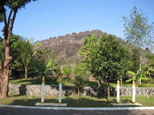 Mahapanasana Cave