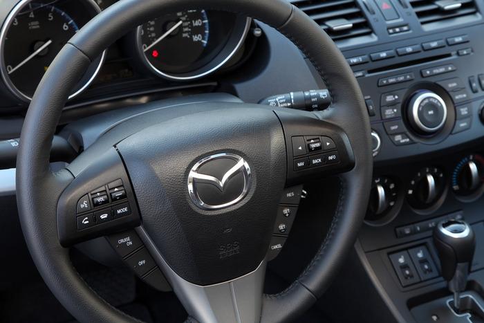 Review 2012 Mazda 3 SKYACTIV Web2Carz
